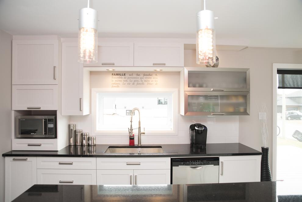 Design armoires de cuisine bcbg 12 besancon besancon for Cuisine bcbg